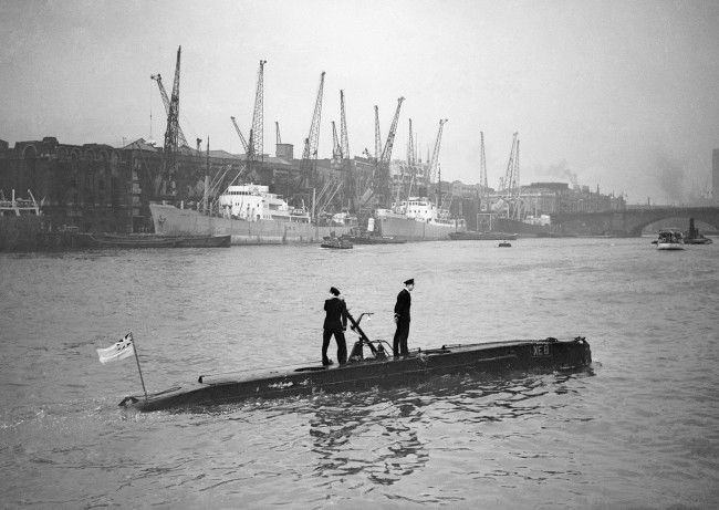 The midget submarine XE8 arriving at the Pool of London. Oct 1st, 1952.  X.jpg