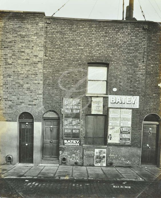 79 Albion Street, Rotherhithe, 1904.jpg