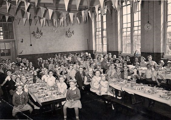 Southwark Park Road Alma School 1947 celabrating the Queens wedding.jpg