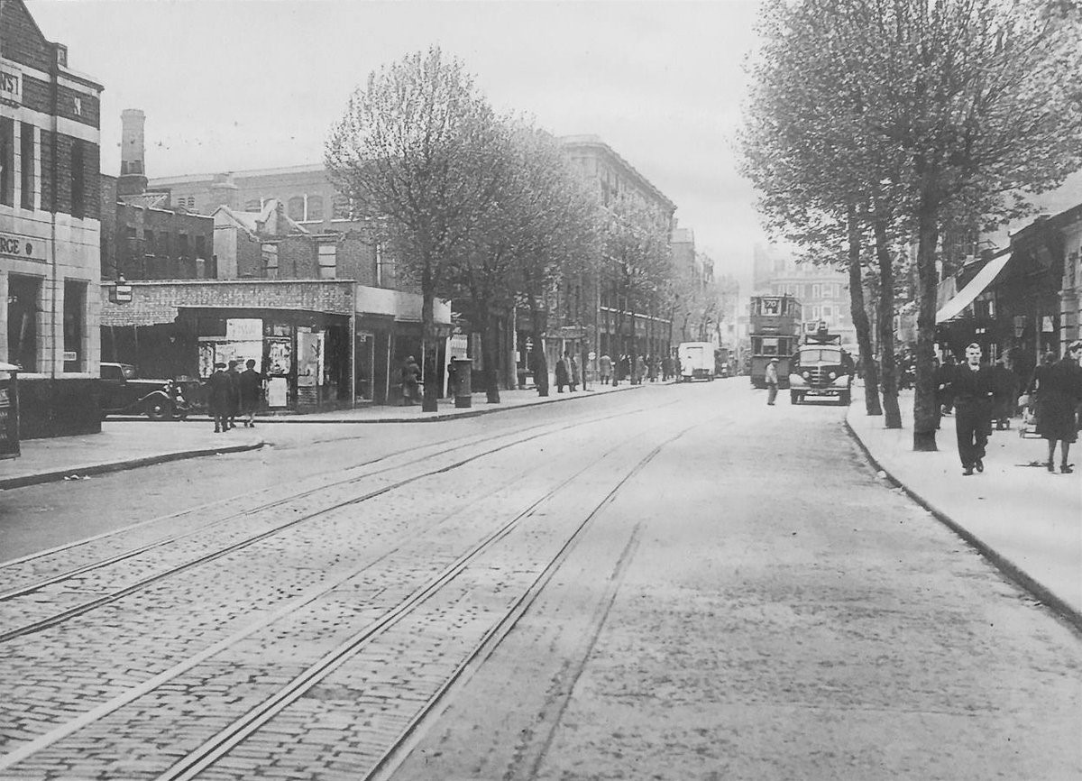 Tower Bridge Road 1950.jpg