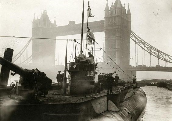 First German U-boat near the Tower Bridge in 1918, when the German fleet surrendered to the English..jpg
