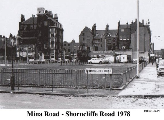 Mina Road (left) Albany Road (right).jpg