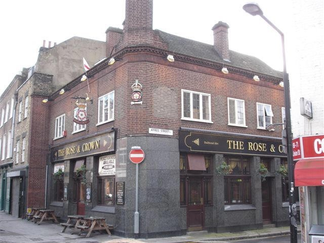 The Rose & Crown, 65 Union Street - in January 2007.jpg