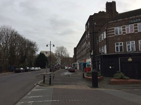 Harper Road, corner with Rockingham Street (right) former The William Pub, 2016'.jpg