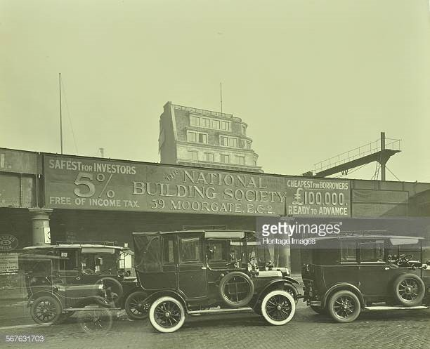 London Bridge Station 1931, cars parked outside the railway, one with white-walled tyres. X.jpg