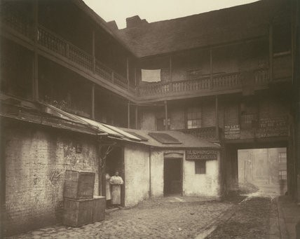 WHITE HART INN YARD,BOROUGH, 1888..jpg