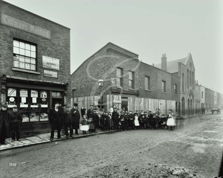 Clarence Street, by York Place, Rotherhithe, 1904. Clarence Street is now Canon Beck Road..jpg