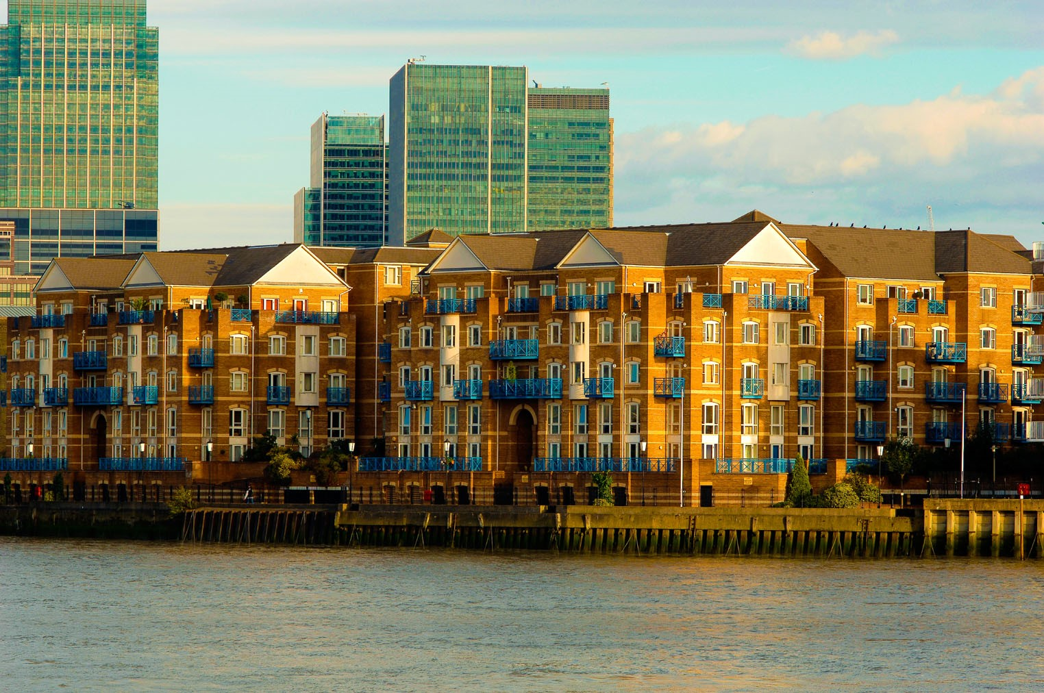 Rotherhithe Street, King & Queen Wharf 2017..jpg