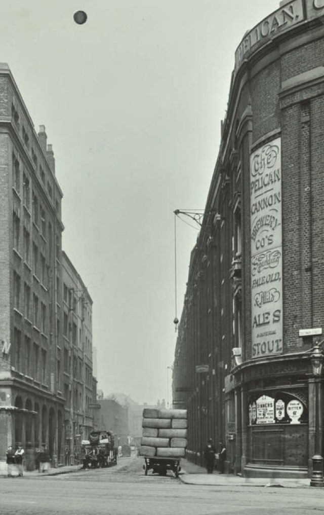 The Pelican was situated at 80 Southwark Street X.jpg
