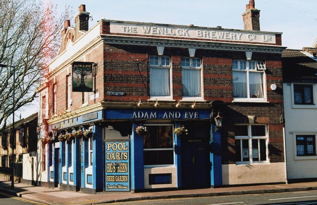 BRUNEL ROAD corner with SWAN ROAD.  X.jpg