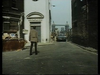 FILM HENNESSY 1975 BERMONDSEY WALL WEST, GEORGE ROW LEFT,WITH TOWER BRIDGE IN THE BACKGROUND..jpg