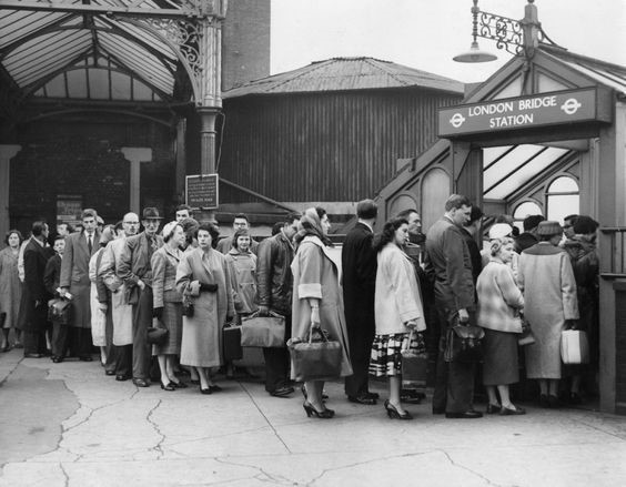 LONDON BRIDGE STATION 1958 X.jpg