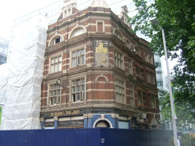 Tooley Street, St Johns Tavern 171, also called the Antigallican and Star..jpg