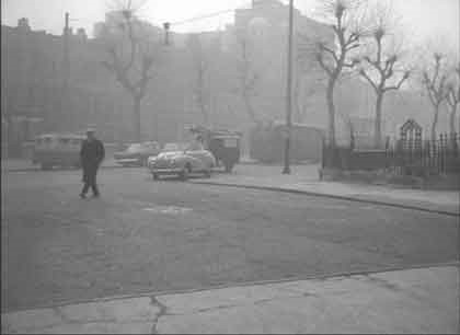 Film Key Man 1957, New Kent Road into Bartholomew Street.jpg