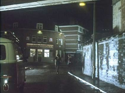 Film The Krays, Marquis of Wellington Pub Druid Street, 1990..jpg