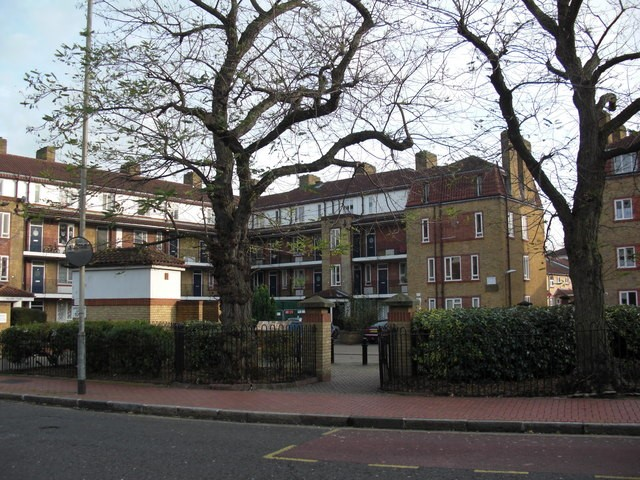 Rotherhithe Street, Dukes Head pub (site of) number 268, c 2011..jpg