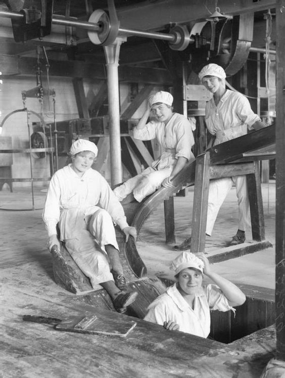 Workers, Hartley's Jam Factory, Bermondsey 1928  X.jpg