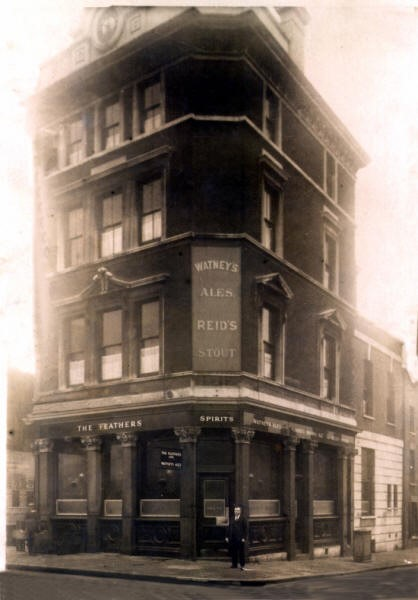 The Feathers, 6 Dockhead, Bermondsey - circa 1920.jpg