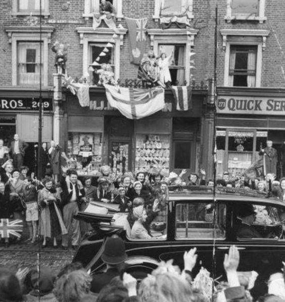 Old Kent Road, The Queen with the Duke of Edinburgh Pass Through the Crowds down the Old Kent Road in 1953.jpg