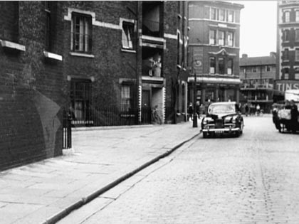 Film River Beat 1954. Mill Street, Bermondsey, Tower Bridge Buildings left.jpg