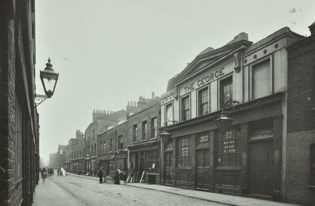 Tabard Street 1915. The George was situated at 130 Tabard Street.jpg