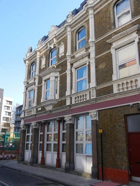 Barlow Street, Victory Pub, 2011,not sure if it was closed in this picture but it did close in 2011.jpg