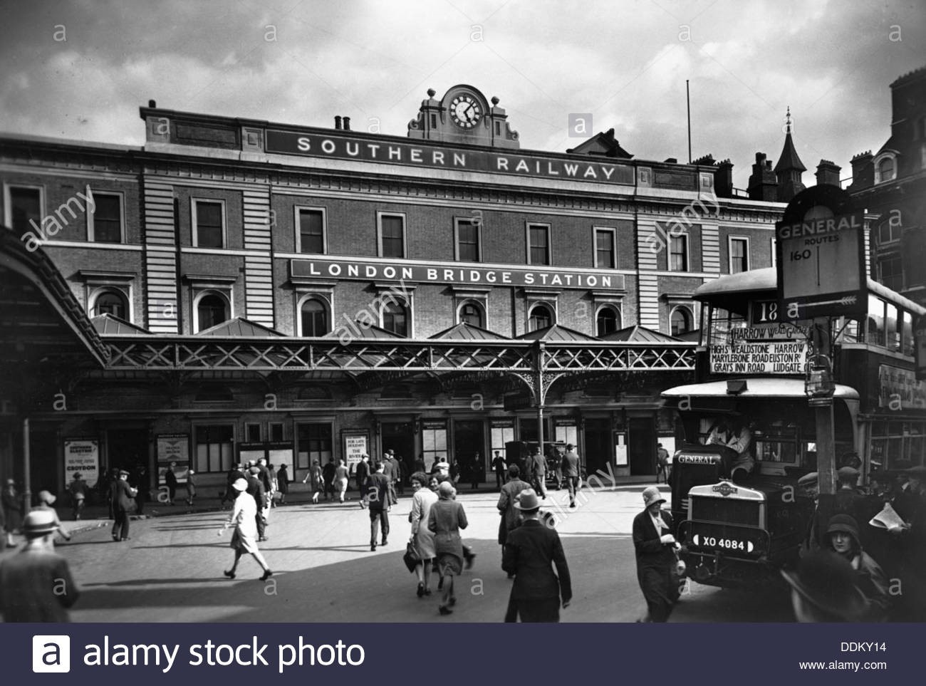 London Bridge Station, Southwark, London, c1930.jpg