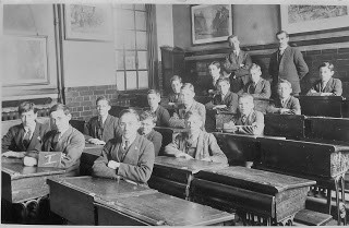 Mina Road Boys Central School between 1917 and 1921.jpg