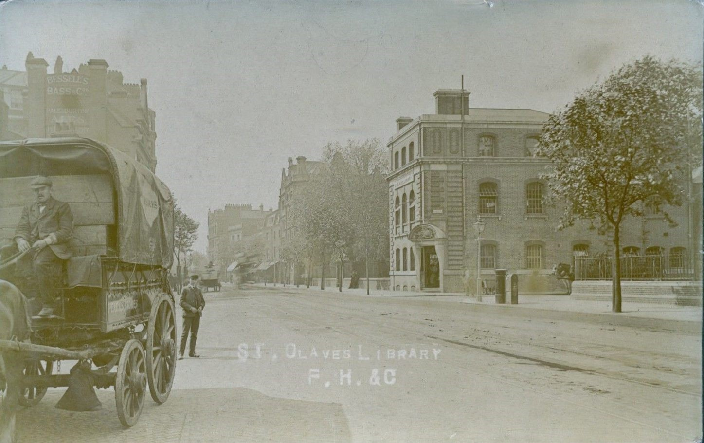 Tooley Street from Tower Bridge Road. The building to be seen here on the right hand corner of Tooley Street and Potter's Field was St.Olave's Library..jpg