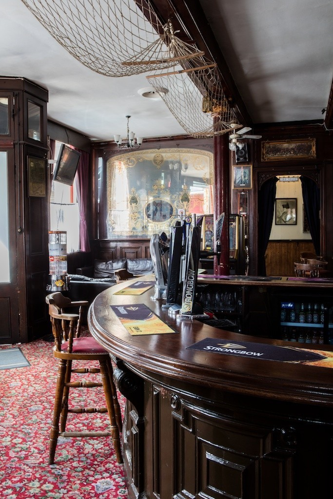 Old Kent Road, Interior The Lord Nelson Pub c 2016.jpg