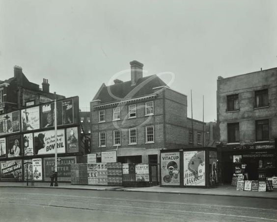 Blackfriars Road, 1935, Flowers of the Forest Pub.jpg