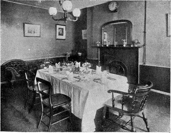 Borough High Street,The George Inn, c1889, a Dining Room In The Demolished Wing..jpg