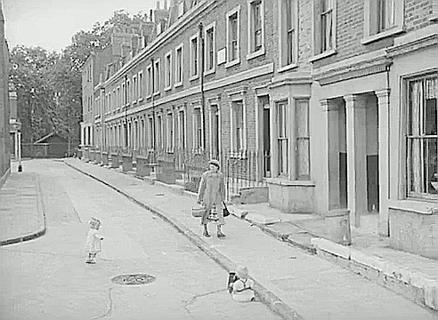 Film Adventure in the Hopfields 1954, Ralph Street looking into Dickens Square..jpg