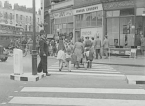 From the Film Adventure in the Hopfield's, 1954. St. George's Circus 1954, crossing in Lambeth Rd, Leetes Paint shop can just be seen on the left in London Rd..jpg