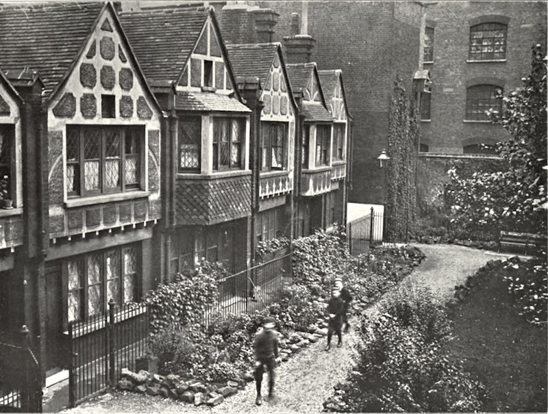 Red Cross Street,now Red Cross Way,Red Cross Cottages and Gardens, Southwark, SE1. 1.jpg