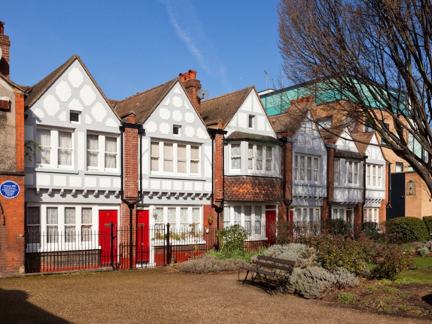 Red Cross Way, 2017, Red Cross Cottages and Gardens, Southwark, was Red Cross St. 2.jpg