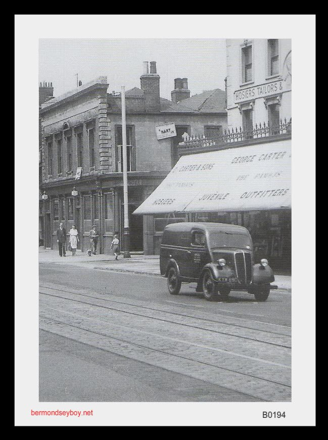 OLD KENT ROAD,CASTLE PUB AND CARTERS..jpg