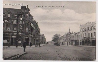 Old Kent Road, The Kings Arms Pub on right. Bricklayers Arms Pub on left..jpg