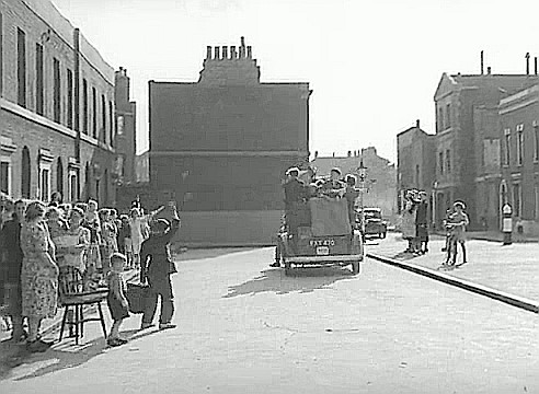 Film Adventure in the Hopfields 1954, Dickens Square with Harper Road in the right of centre background..jpg