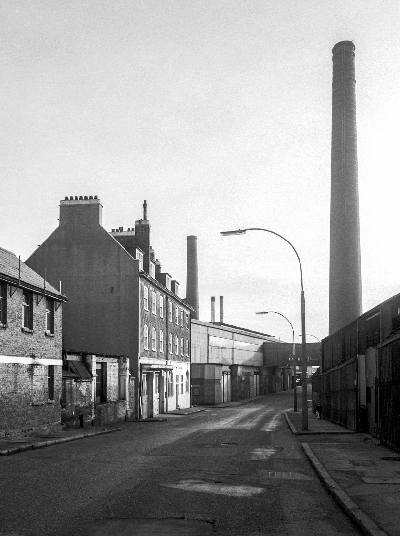 Rotherhithe Street,  1981,Enthoven's Lead Works, Upper Ordnance Wharf, closed 1980.jpg