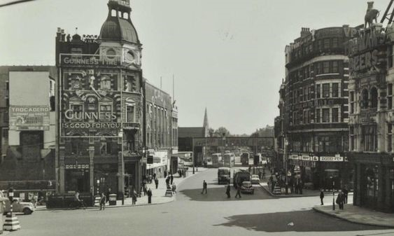 The Elephant and Castle in 1956. New Kent Road opposite..jpg