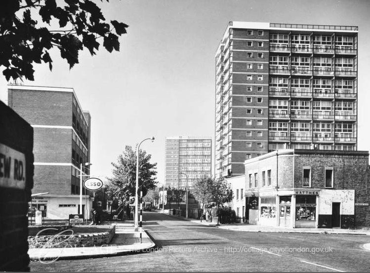 Rotherhithe New Road. Rotherhithe Old Road to the right. – 1961.jpg