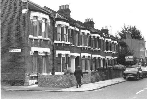 WELLS WAY, off Albany Road, looking towards Southhampton Way,Dowlas Street left..jpg