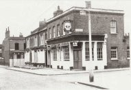 Brandon Street,The Crown in 1977.jpg