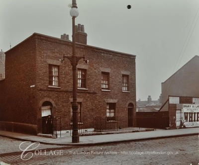 Long Lane, numbers 97-99, by Laxon Street,  c 1909.jpg