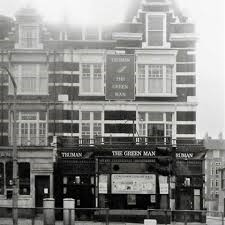 Old Kent Road, The Green Man Pub 1972. Opposite the Dun Cow Pub..jpg