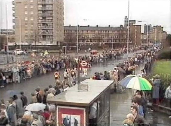 Jamaica Road, Bermondsey, The London Marathon on Sunday 20 April 1986. 2.jpg