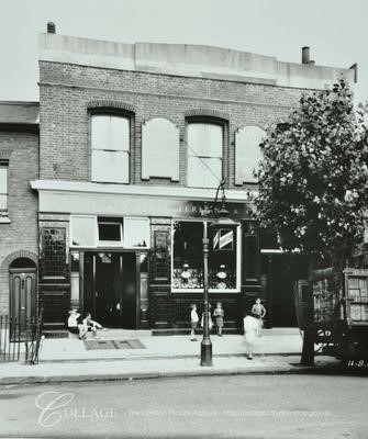 The Yeoman Public House, Chilton Street, Lower Road,Bermondsey 1938.jpg
