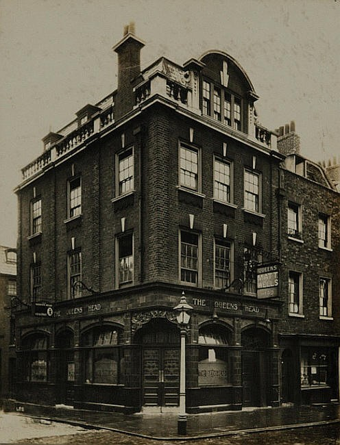 Queens Head, 263 Union Street, Southwark.jpg