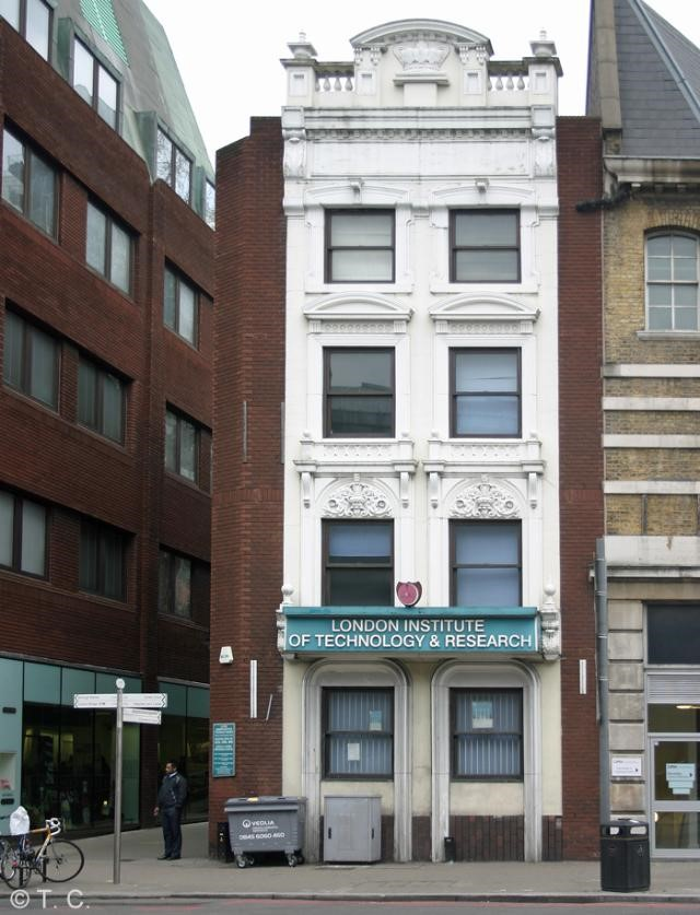 The Crown was situated at 213 Borough High Street. Only the main facade now remains.jpg